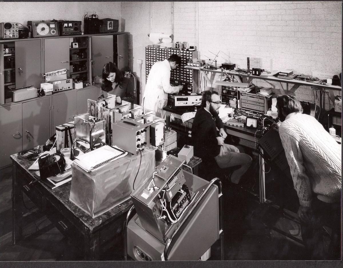 p049-electronics-lab-1967